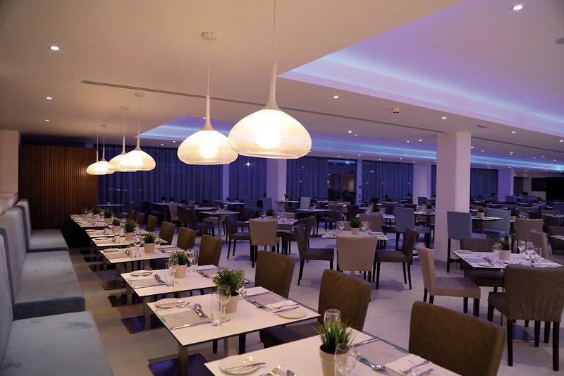 COOEE St George Hotel & Golf Resort